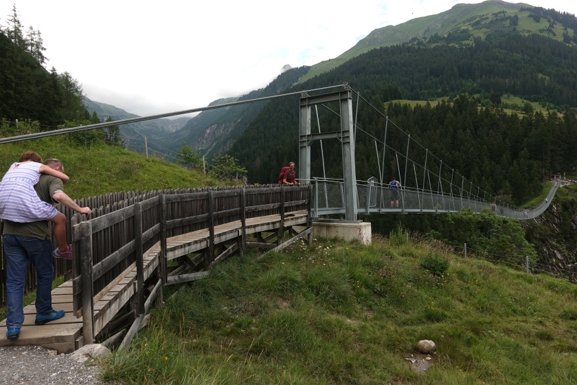 Fussgangerbrucke, Holzgau, Austria